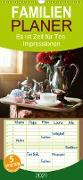 Es ist Zeit für Tee. Impressionen - Familienplaner hoch (Wandkalender 2021 , 21 cm x 45 cm, hoch)